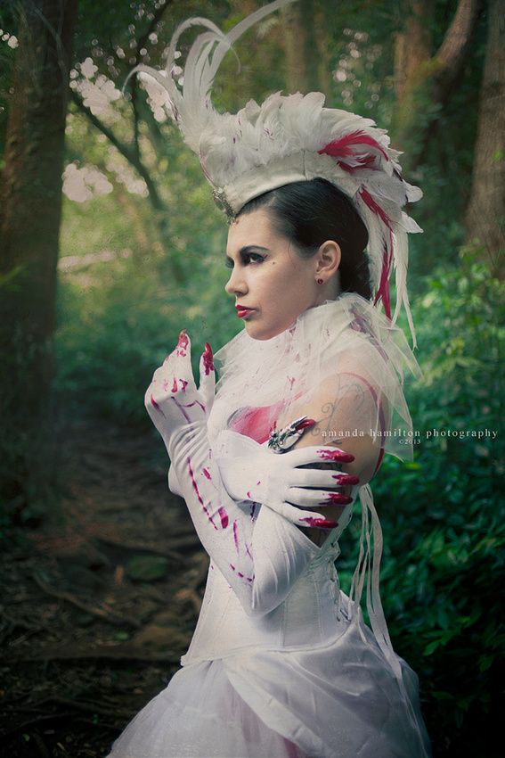 Honolulu Oahu costume photographer feather mohawk