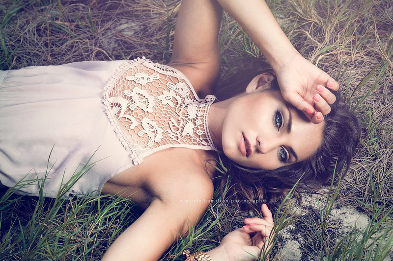 Oahu glamour photographer, Amanda Hamilton